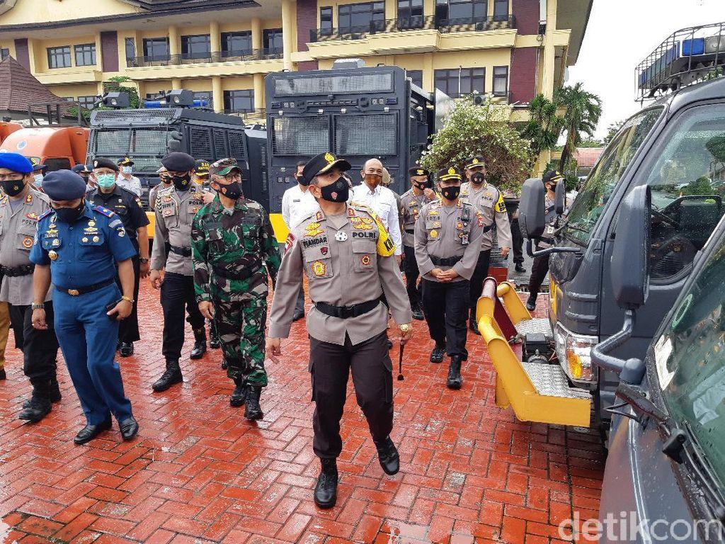 Soal Kerumunan Perayaan Tahun Baru, Kapolda Banten: Bubarkan dan Angkut!