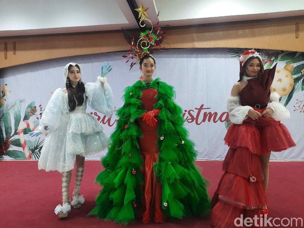 Gaun Natal Mahasiswa Ubaya di Tengah Pandemi COVID-19