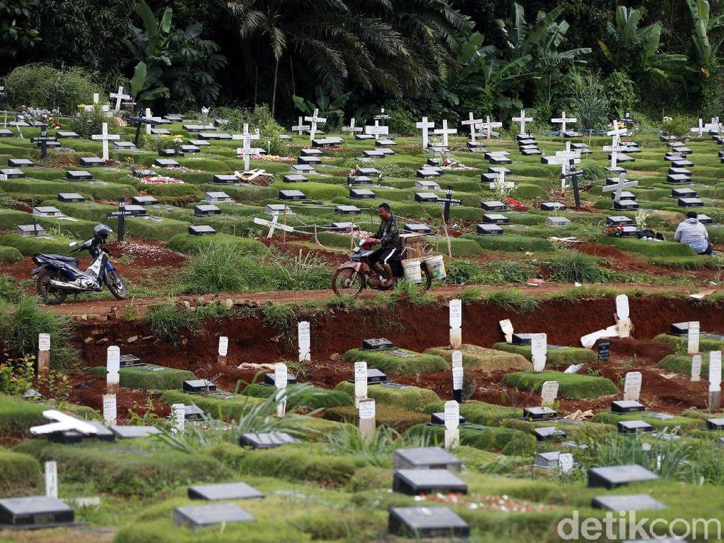 1,5 Tahun Pandemi, 20 Ribu Jenazah di DKI Dimakamkan dengan Protap COVID