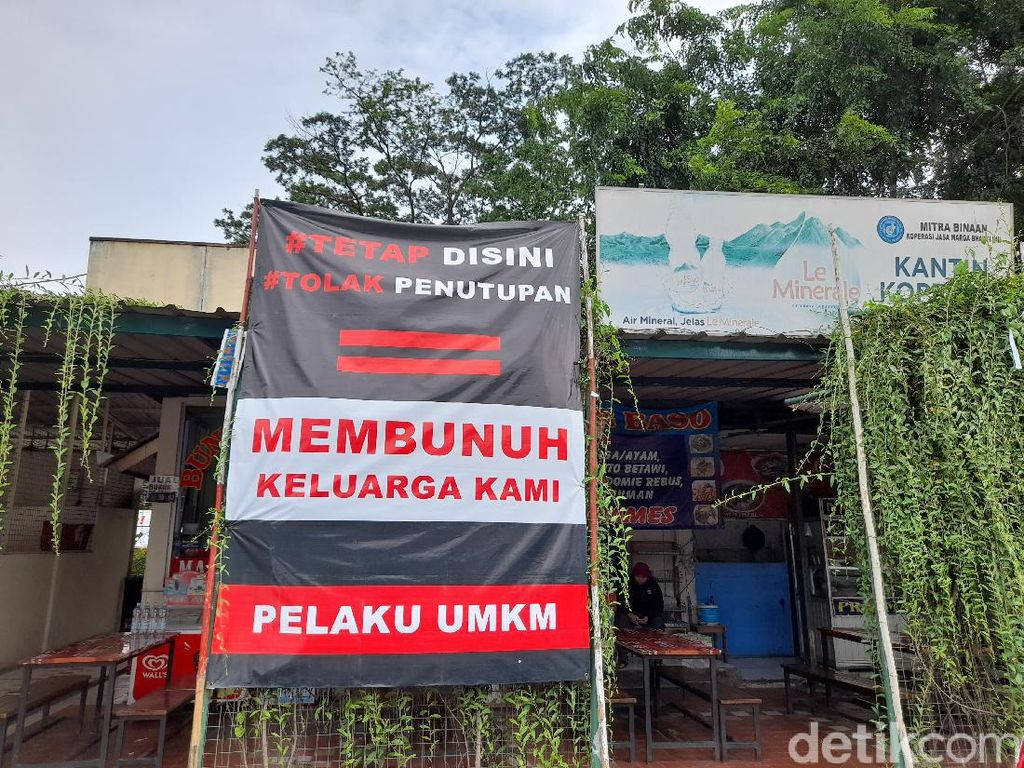 Rest Area Km 50 Tol Japek Ditutup, Spanduk Penolakan Terpasang