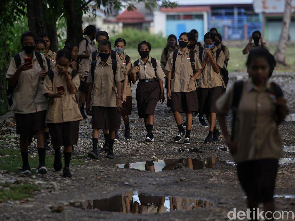 Semangat Anak Sekolah di Perbatasan RI-Timor Leste
