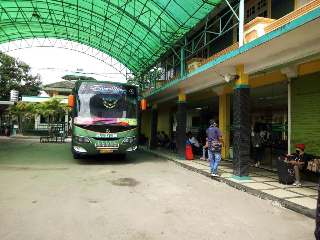 Ini Trayek Bus Terjauh di Indonesia, Jaraknya Seperti Membelah Eropa dari Barat ke Timur