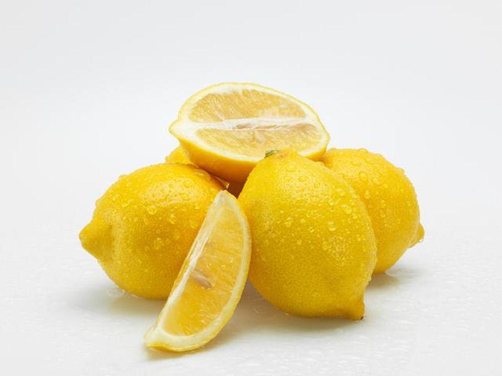 Manfaat Air Lemon untuk Kulit dan Wajah, Mencerahkan hingga Anti Jerawat