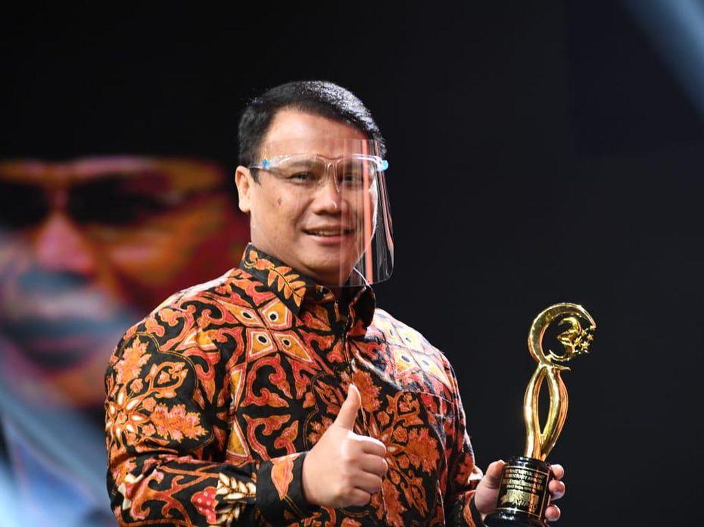 Jadi Jembatan Nasionalis & Muslim, Ahmad Basarah Raih Democracy Award