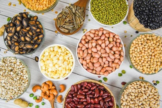 Biji-bijian seperti chia seed, biji bunga matahari dan wijen bisa memutihkan /freepik.com