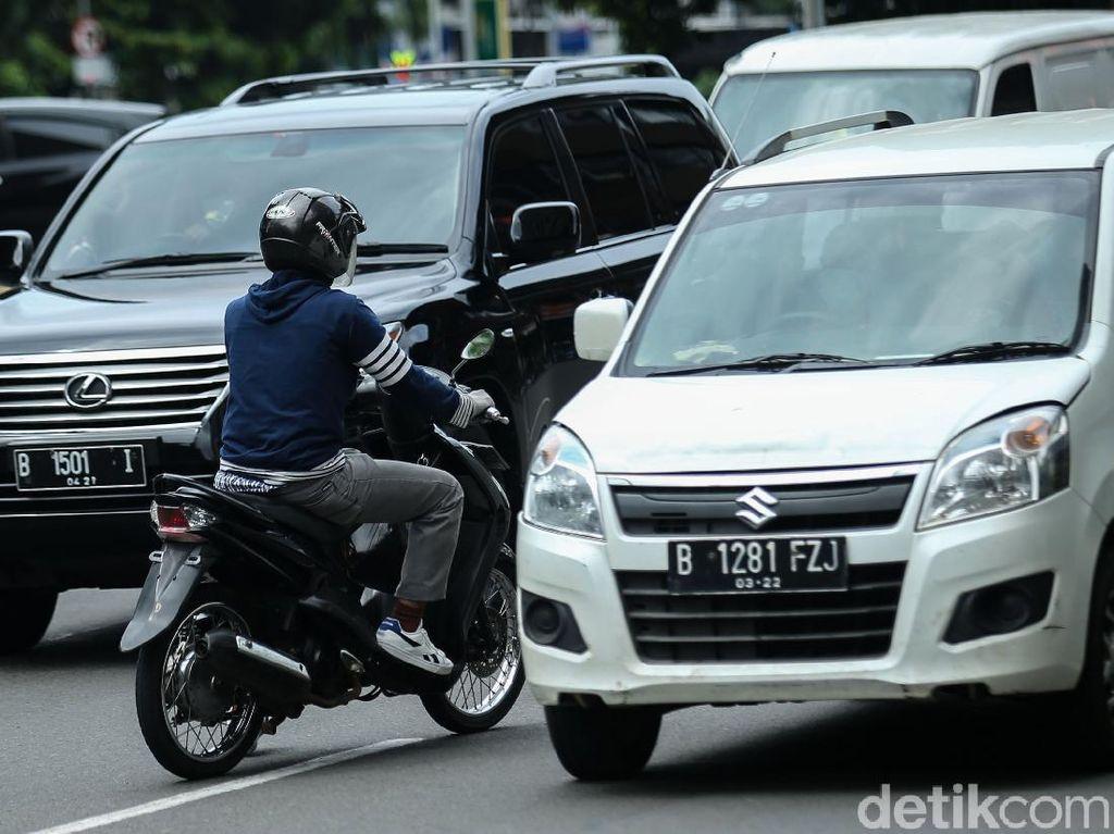 Penyakit Akut Pemotor Jakarta: Nekat Lawan Arah