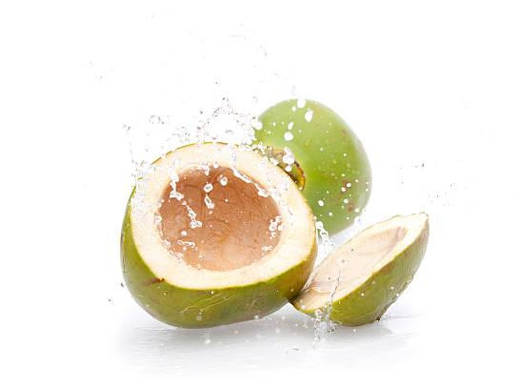 5 Manfaat Air Kelapa Hijau, Minuman Perkuat Sistem Kekebalan Tubuh