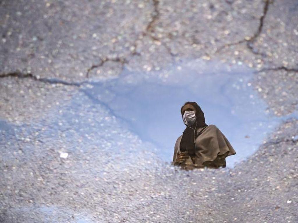 Mengapa Otoritas Iran Memaksa Perempuan untuk Berkerudung?