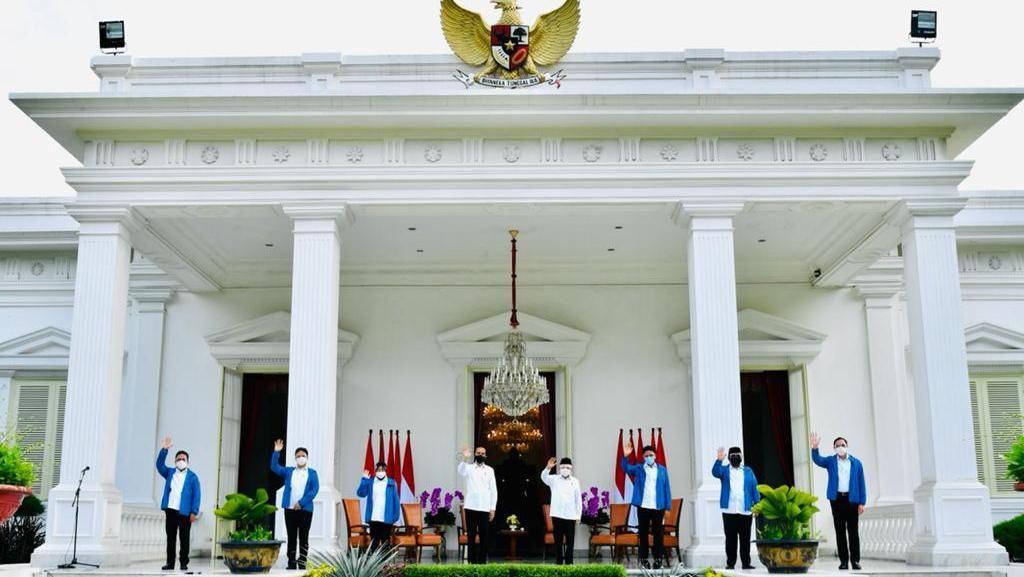 Momen Jokowi Umumkan 6 Menteri Baru di Istana Negara