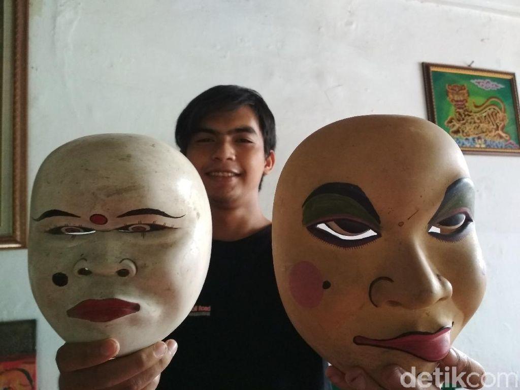 Mengenal Nyo dan Mblep Topeng Legendaris Khas Cirebon