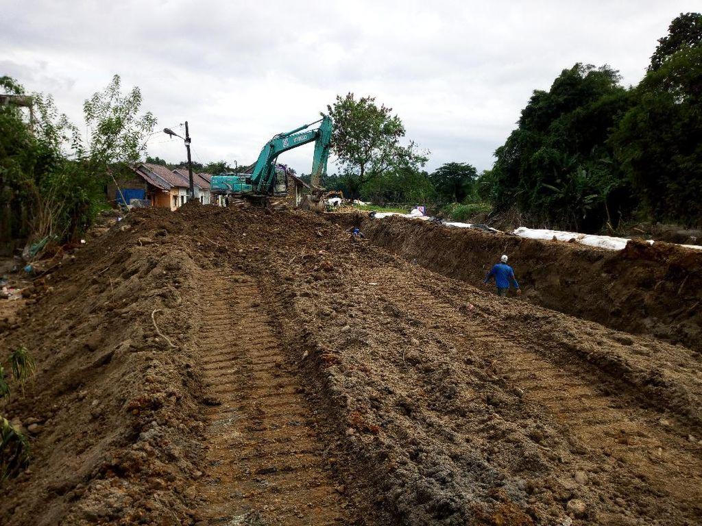 18 Hari Usai Banjir Medan, Tanggul Sungai yang Jebol Masih Diperbaiki