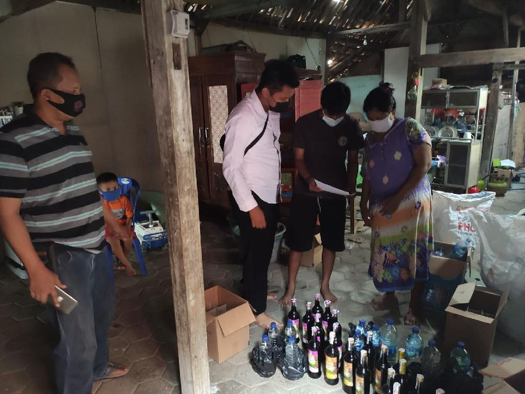 Razia Miras untuk Kondusifkan Pilkades Ngawi, 15 Penjual Diamankan