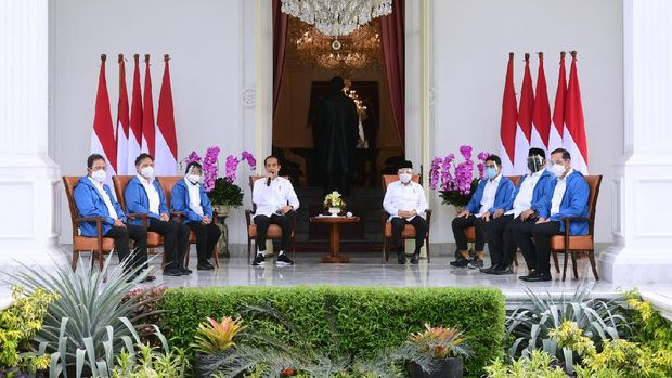 Presiden Jokowi mengumumkan 6 menteri baru untuk mengisi Kabinet Indonesia Maju.
