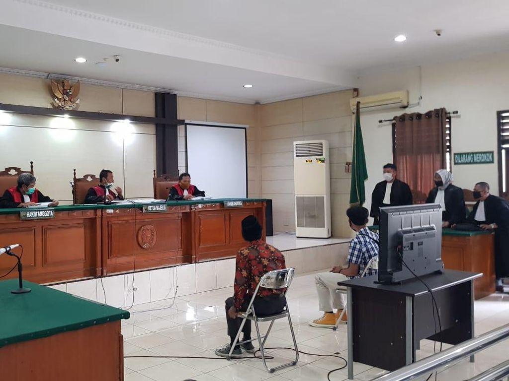 4 Mahasiswa Jalani Sidang Perdana Kasus Demo Berujung Ricuh di Semarang