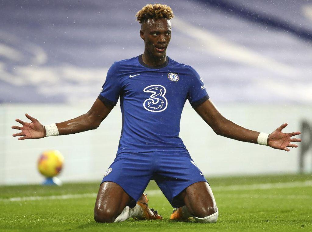Silva dan Abraham Bawa The Blues Menang Telak Atas West Ham