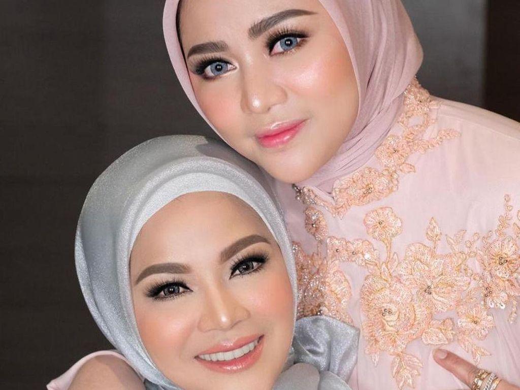 Rachel Vennya Lepas Hijab, Sang Mama: Biasa Aja, Dia Bukan Jadi Murtad Kan?