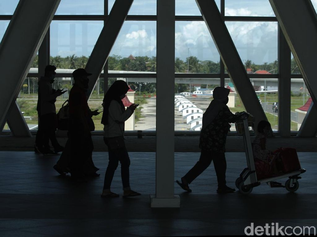 WNA Dilarang Masuk RI, Bandara Terancam Sepi?