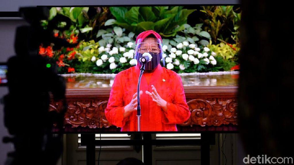 8 Gaya Risma Sang Menteri Sosial, Kebaya Merah Hingga Sepatu Boots