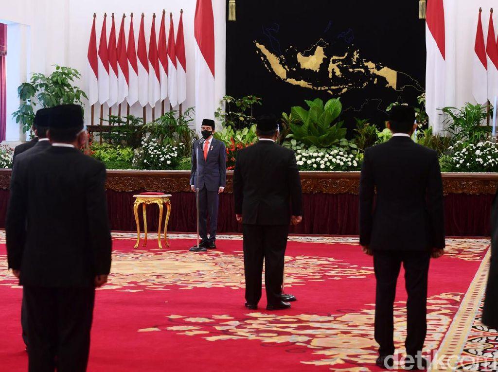 Momen Jokowi Lantik Menteri dan Wakil Menteri Baru
