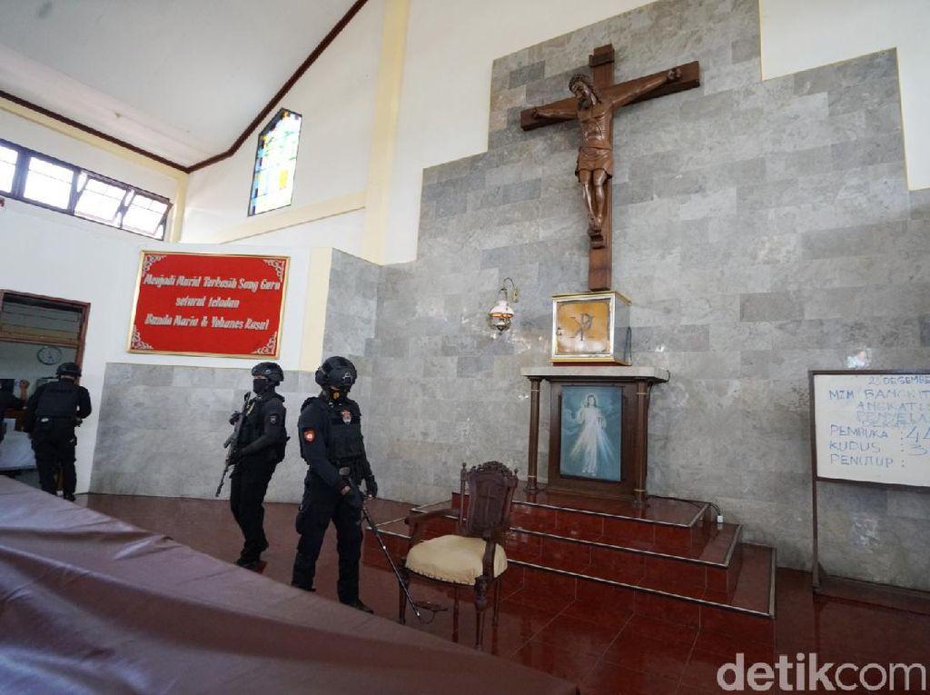 Video Polres Wonogiri Sterilisasi Gereja Jelang Perayaan Natal