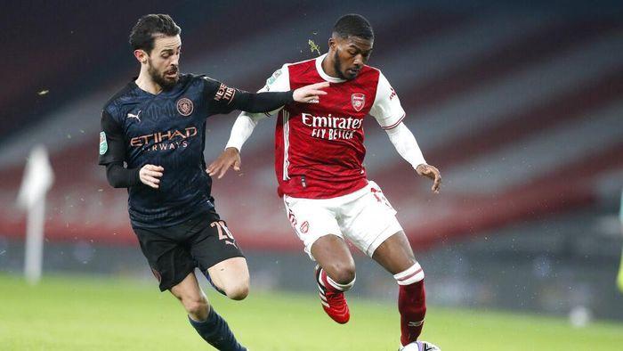 Manchester City mengalahkan Arsenal di babak perempatfinal Piala Liga Inggris. City pun melenggang ke semifinal.
