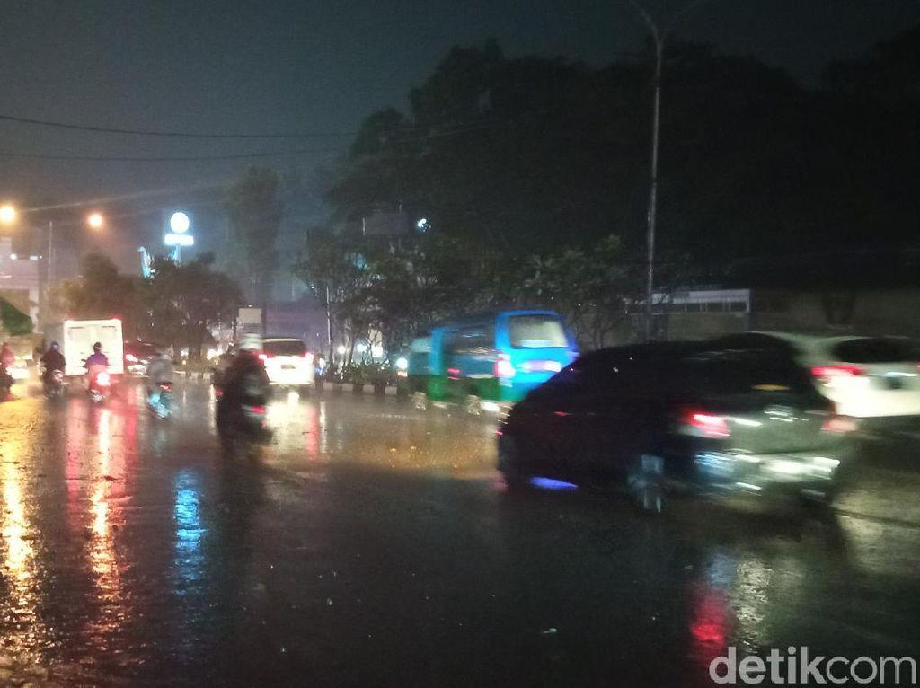 Tol Air Masih Belum Efektif Tangkal Luapan Air di Bandung?
