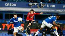 Gol Cantik Cavani Warnai Kemenangan MU