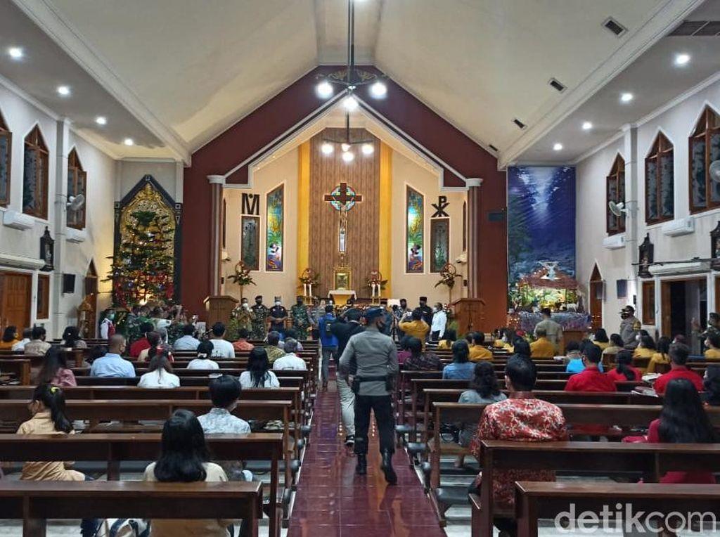 Misa Natal Aman, Bupati Anas Apresiasi Pengamanan dan Penerapan Prokes