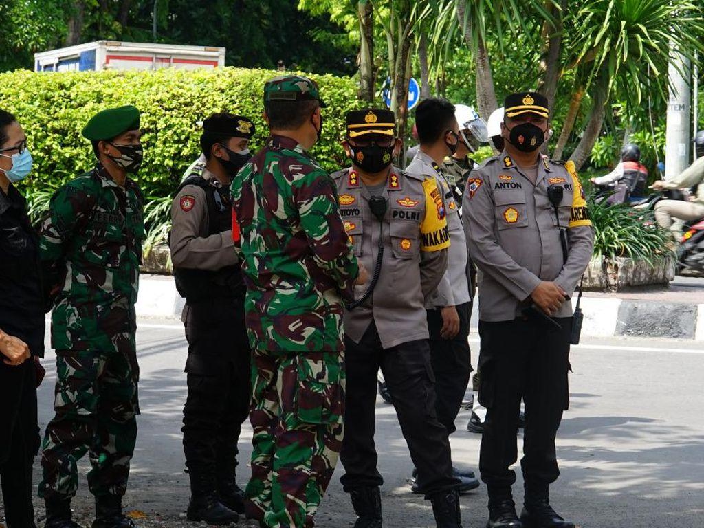 Polisi Pastikan Malam Natal di Surabaya Berjalan Aman dan Sesuai Prokes