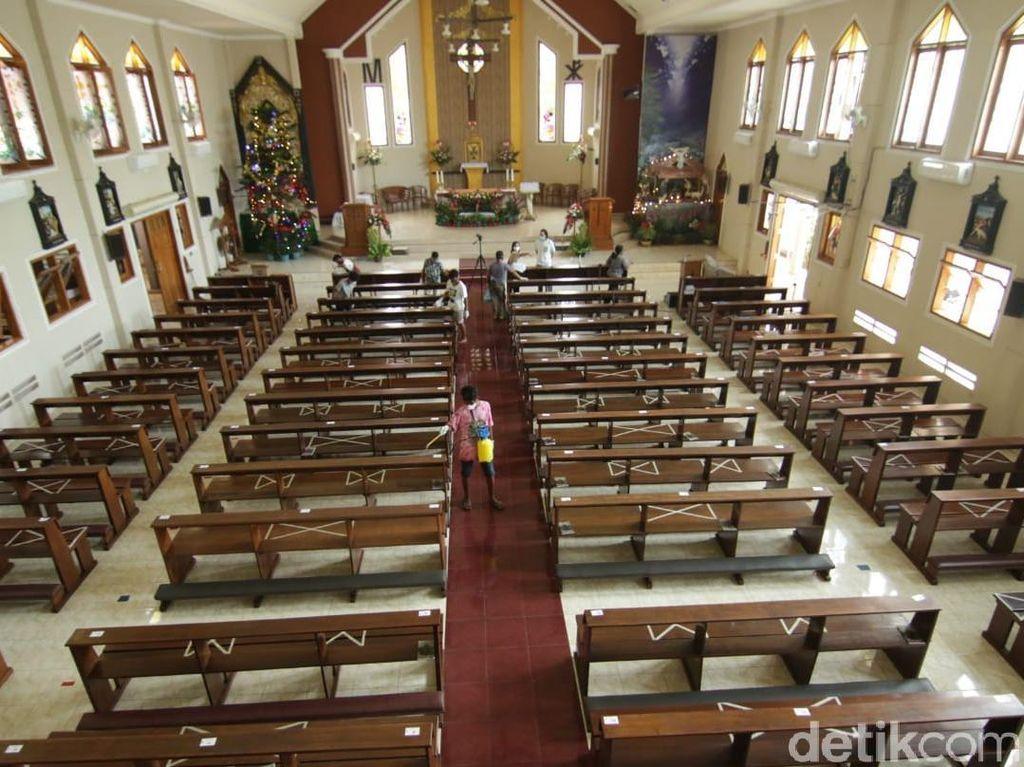 Pandemi COVID-19, Gereja Katolik di Banyuwangi Jadwalkan Dua Kali Misa Natal