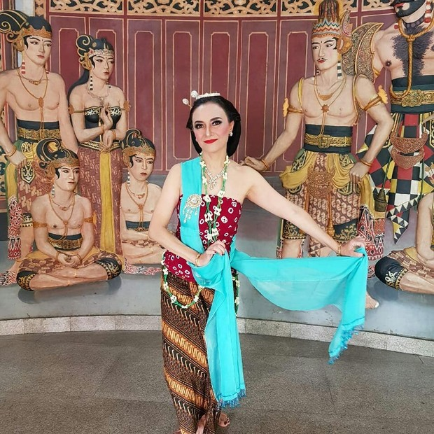 Luki Ariani mencintai tari. Tak heran, membuatnya aktif mengikuti kegiatan menari dan balet. Ia juga beberapa kali tampil dalam pementasan tari.