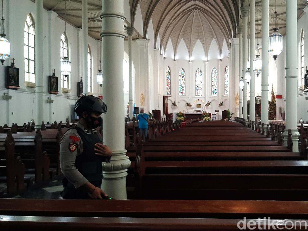 Jelang Natal, Polisi Lakukan Sterilisasi Gereja di Bogor