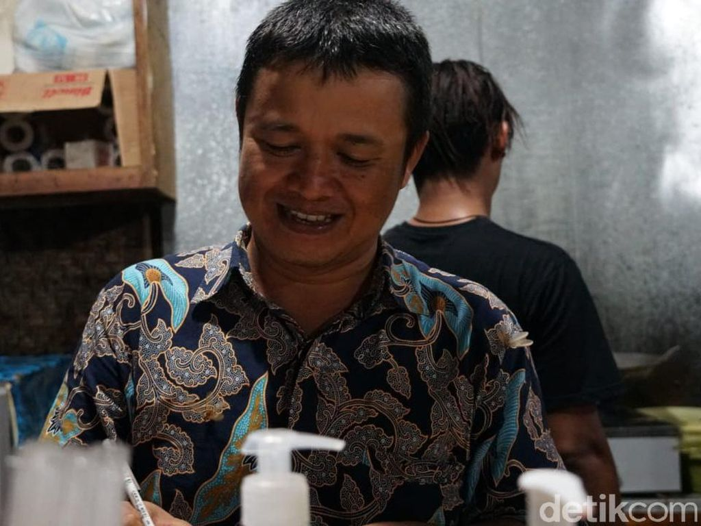 Julianto Putra Perluas Warung Makan, Mudahkan Traveler Muslim di Malaka
