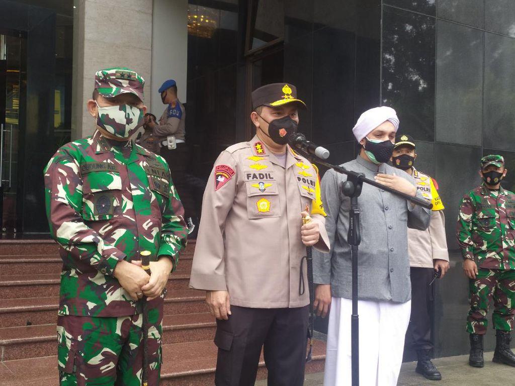 Kapolda Metro dan Pangdam Jaya Lepas Patroli Pengamanan Natal