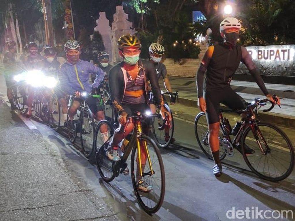 Komunitas Sepeda Banyuwangi Gowes Banyuwangi-Yogyakarta 24 Jam
