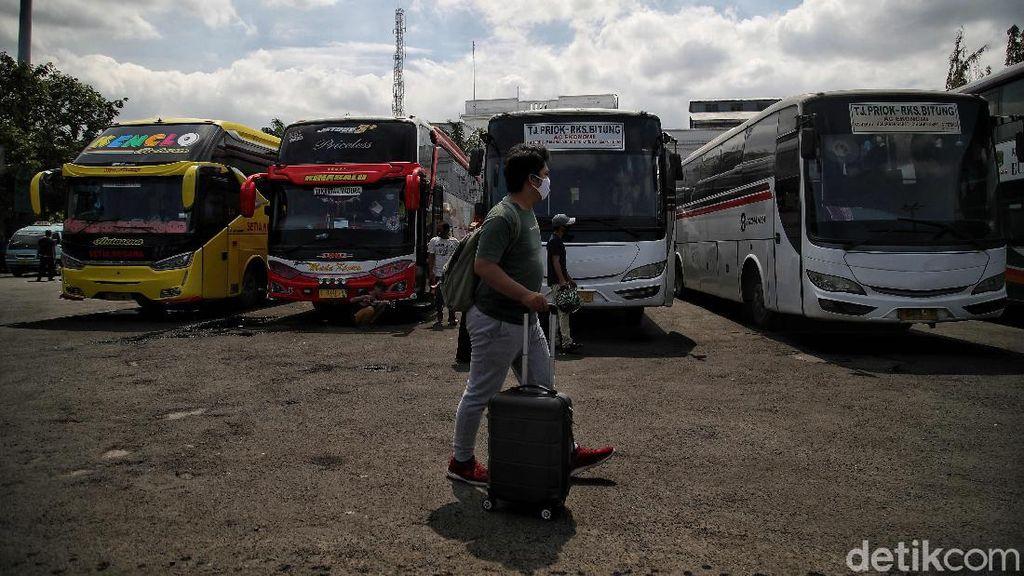 Libur Nataru Saat Pandemi, Jumlah Penumpang Bus di Terminal Ini Turun