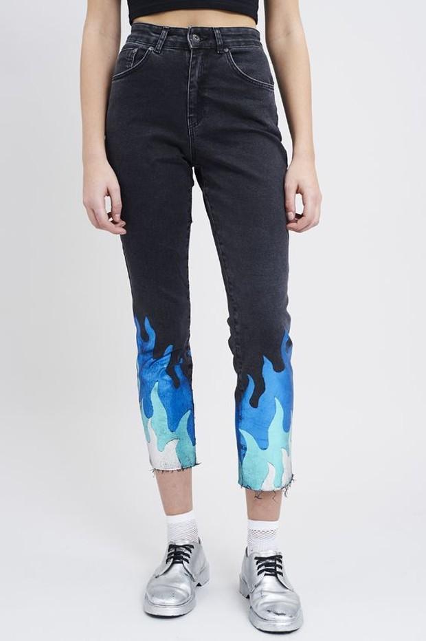 melukis celana jeans