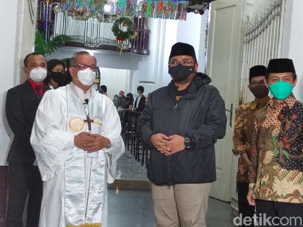 Menag Yaqut Pantau Misa Natal di Gereja Blenduk Semarang