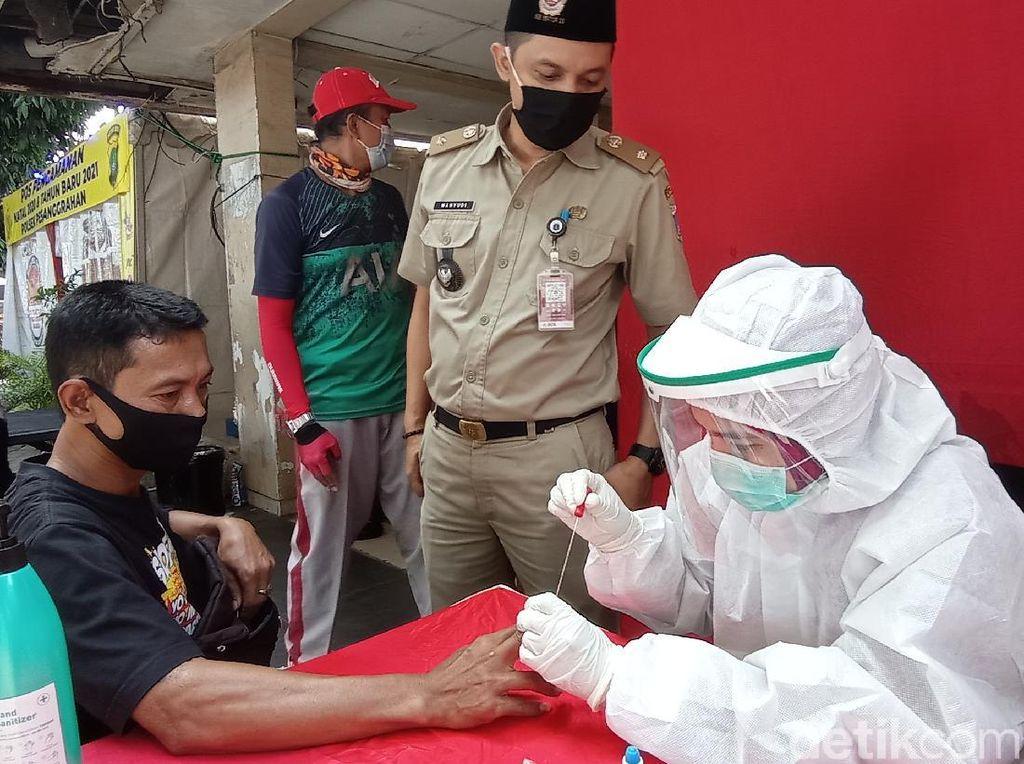 Polisi Gelar Rapid Test Saat Operasi Lilin di Pesanggrahan, Ada yang Reaktif