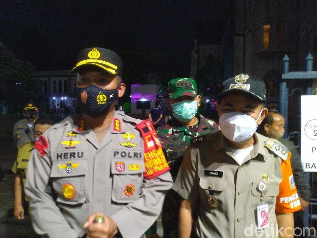 Polisi-TNI Cek Misa Natal Gereja Katedral: Prokes Sangat Ketat