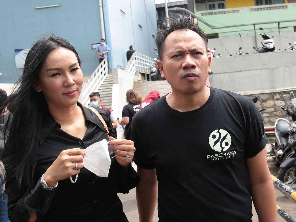 Vicky Prasetyo dan Kalina Oktarani Lengket Terus