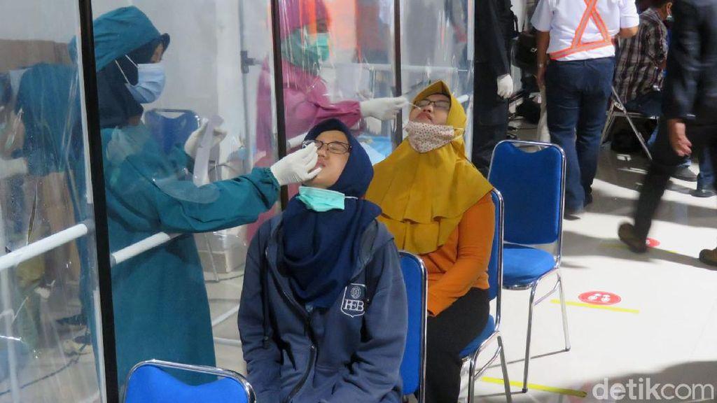 Wali Kota Yogyakarta Tinjau Penerapan Rapid Test Antigen di Stasiun