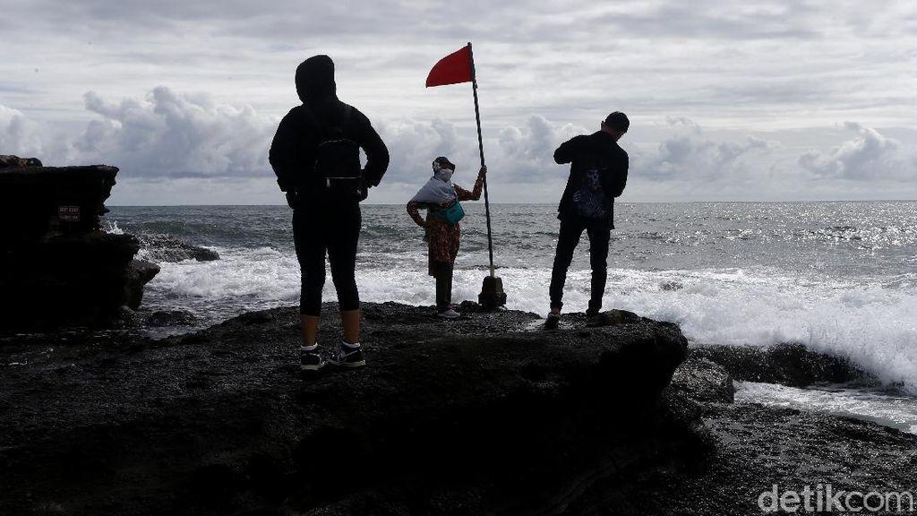 Kunjungan Wisatawan di Tanah Lot Meningkat
