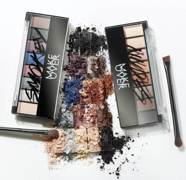 Make Over Eye Shadow Palette