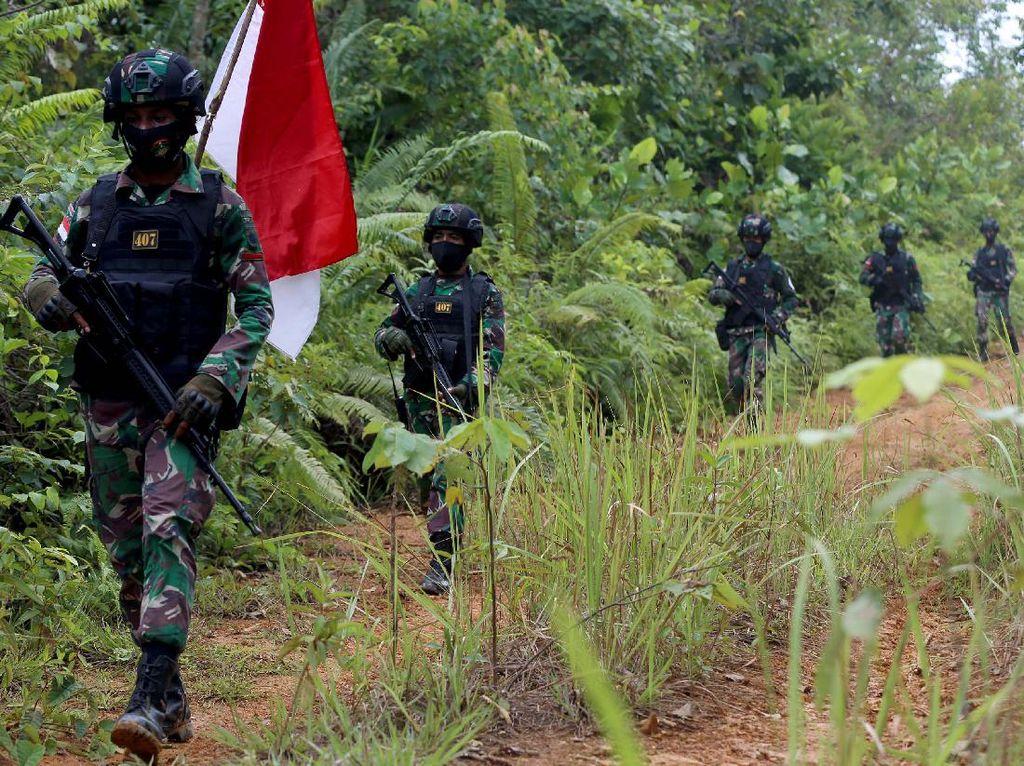 Menyusuri Hutan Kalimantan, Mencari Tanda Kedaulatan Indonesia