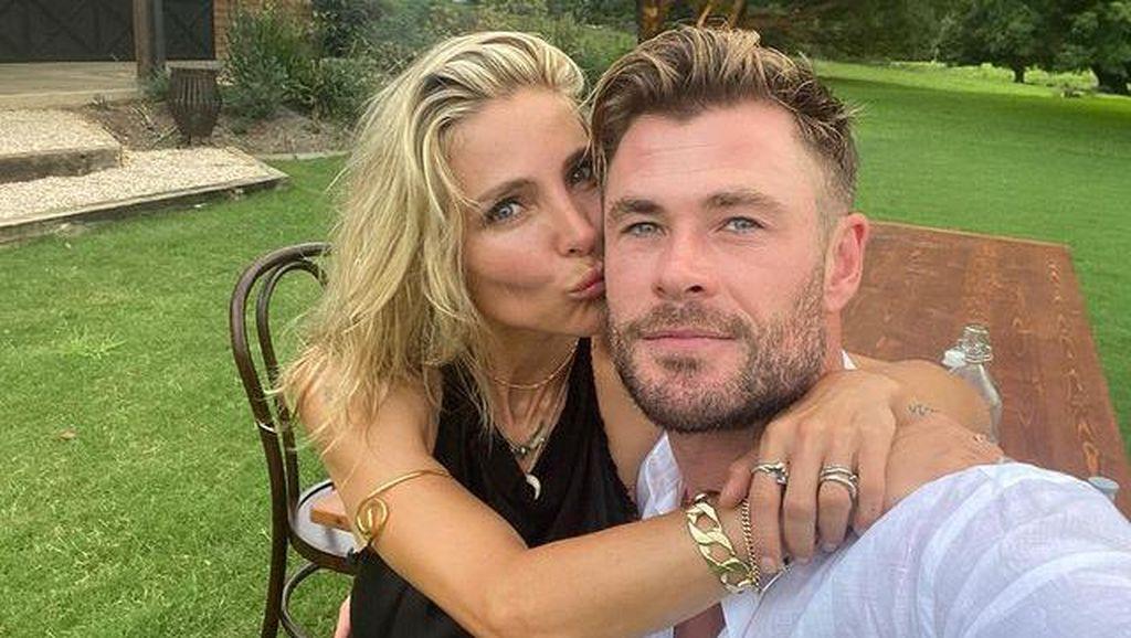 Bukti Kemesraan Chris Hemsworth dan Istri Setelah 10 Tahun Menikah