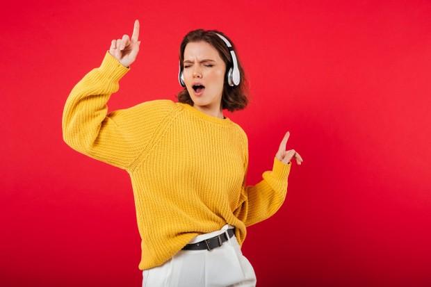 Kegiatan Untuk Menghilangkan Sumpek Karna Nugas dengan Dengarkan Lagu Favorit/Freepik.com