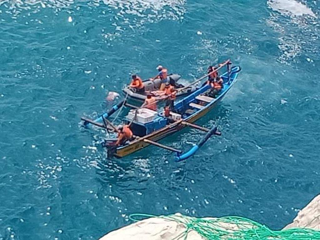 Hilang Tiga Hari, Warga Ngawi Ditemukan Tewas Mengapung di Pantai Pacitan