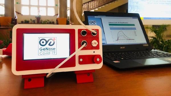 Alat pendeteksi COVID-19 menggunakan napas buatan peneliti UGM.