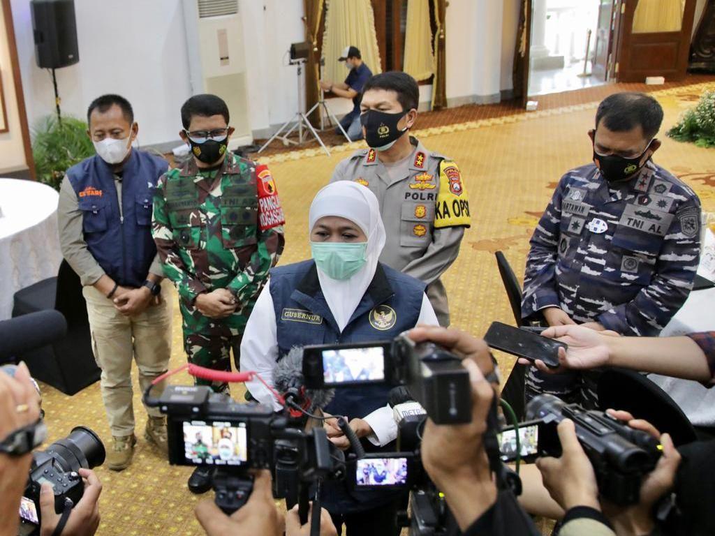 Gubernur Khofifah Minta Media Lebih Aktif Sampaikan Pesan Prokes ke Warga